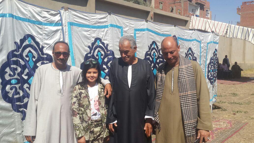 الطفلة أريج فى احدى المؤتمرات الانتخابية لتأييد الرئيس السيسى (14)