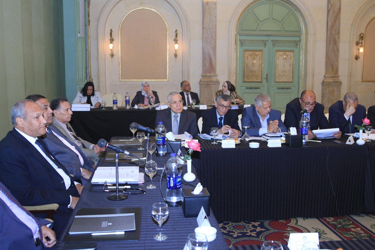 جانب من اجتماع شركة النيل لإنشاء الطرق