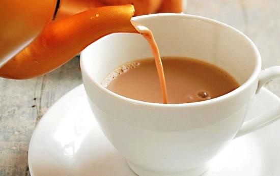 فوائد الشاى باللبن