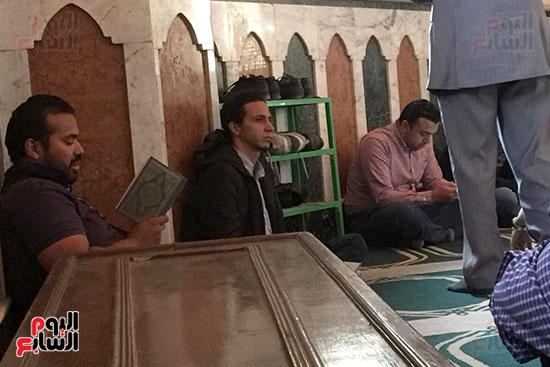 أهالى-طنطا-يشيعون-جثمان-الكاتب-أحمد-خالد-توفيق-(8)