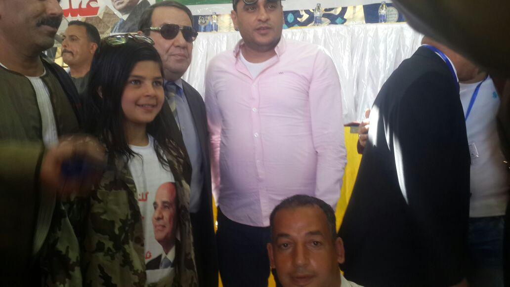 الطفلة أريج فى احدى المؤتمرات الانتخابية لتأييد الرئيس السيسى (11)