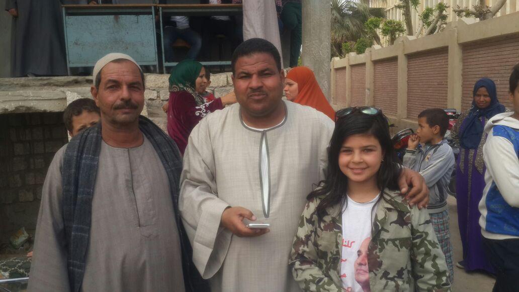 الطفلة أريج فى احدى المؤتمرات الانتخابية لتأييد الرئيس السيسى (9)