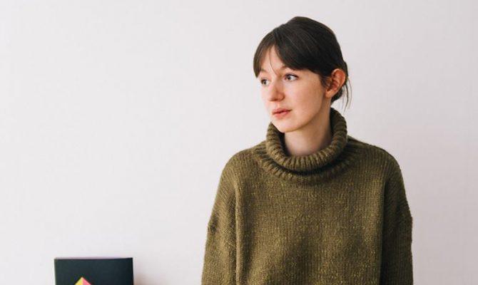 سالى رونى وصلت روايتها محادثات مع الأصدقاء لجائزة ديلان توماس