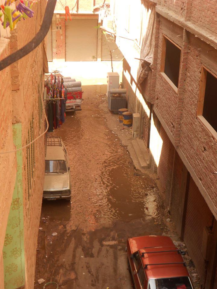 الصرف الصحى يهدد مساكن الوراق