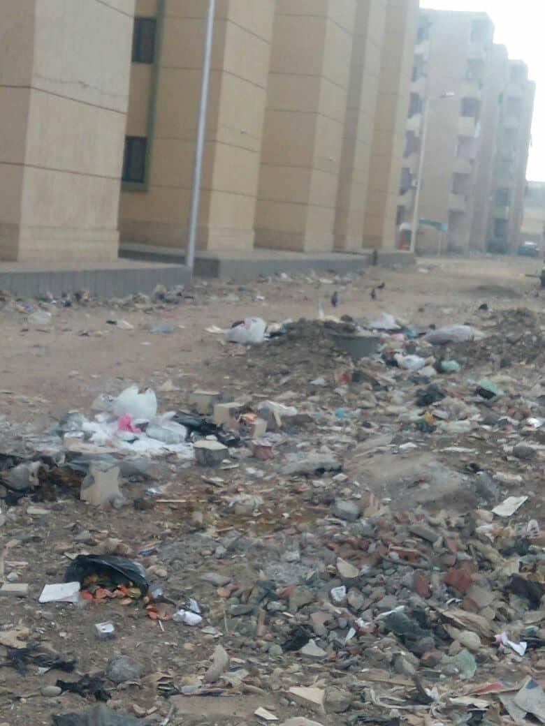 تراكم القمامة ومخلفات البناء بمساكن التحويلة