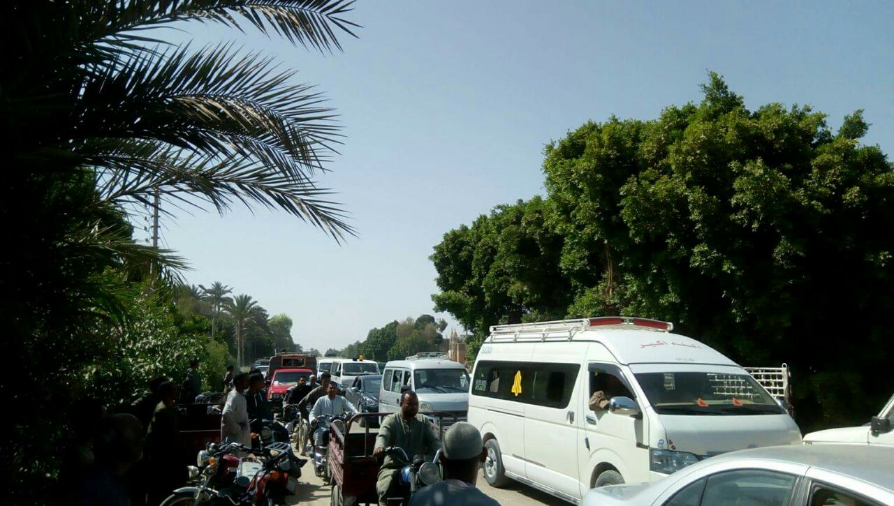 جانب من تشييع جنازات ضحايا حادث سوهاج