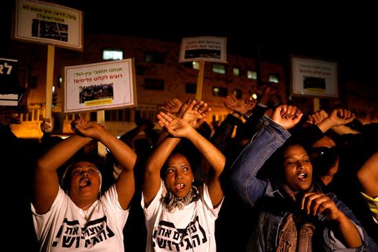جانب من احتجاجات حاشدة ضد الكيان الصهيوني بسبب ترحيل المهاجرين الأفارقة بالقدس