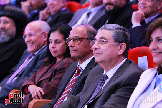 حفل ختام المؤتمر العلمى الدولى السابع لجامعة عين شمس (32)