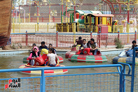 صور حتفالات كبرى لـ10 آلاف طفل يتيم بمدينة الألعاب دريم بارك (30)