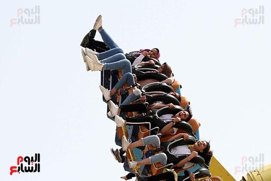 صور حتفالات كبرى لـ10 آلاف طفل يتيم بمدينة الألعاب دريم بارك (6)