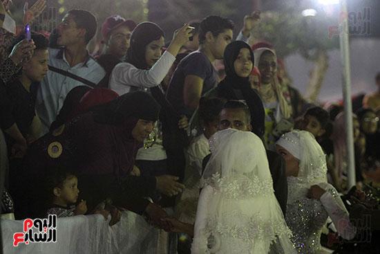 صور حفل زفاف جماعى لـ120 عريس وعروسة داخل دريم بارك فى يوم اليتيم (11)