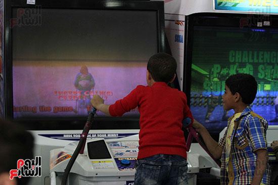 صور حتفالات كبرى لـ10 آلاف طفل يتيم بمدينة الألعاب دريم بارك (32)