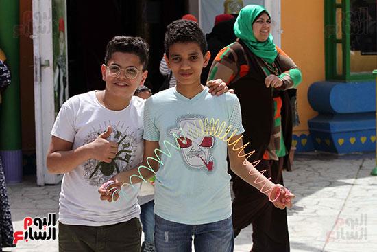 صور حتفالات كبرى لـ10 آلاف طفل يتيم بمدينة الألعاب دريم بارك (21)