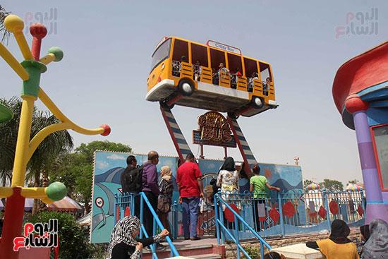 صور حتفالات كبرى لـ10 آلاف طفل يتيم بمدينة الألعاب دريم بارك (9)
