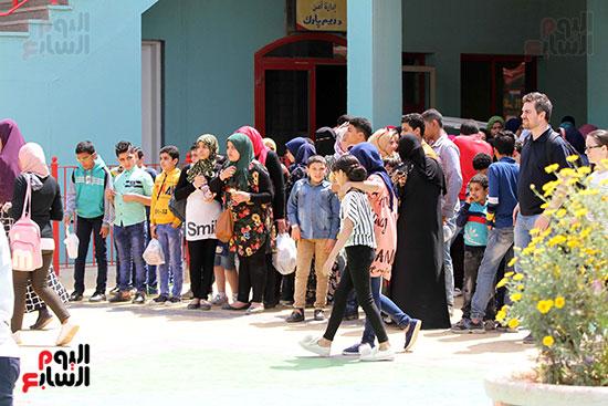صور حتفالات كبرى لـ10 آلاف طفل يتيم بمدينة الألعاب دريم بارك (15)