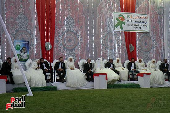 صور حفل زفاف جماعى لـ120 عريس وعروسة داخل دريم بارك فى يوم اليتيم (33)