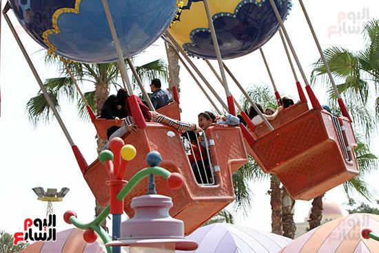 صور حتفالات كبرى لـ10 آلاف طفل يتيم بمدينة الألعاب دريم بارك (26)