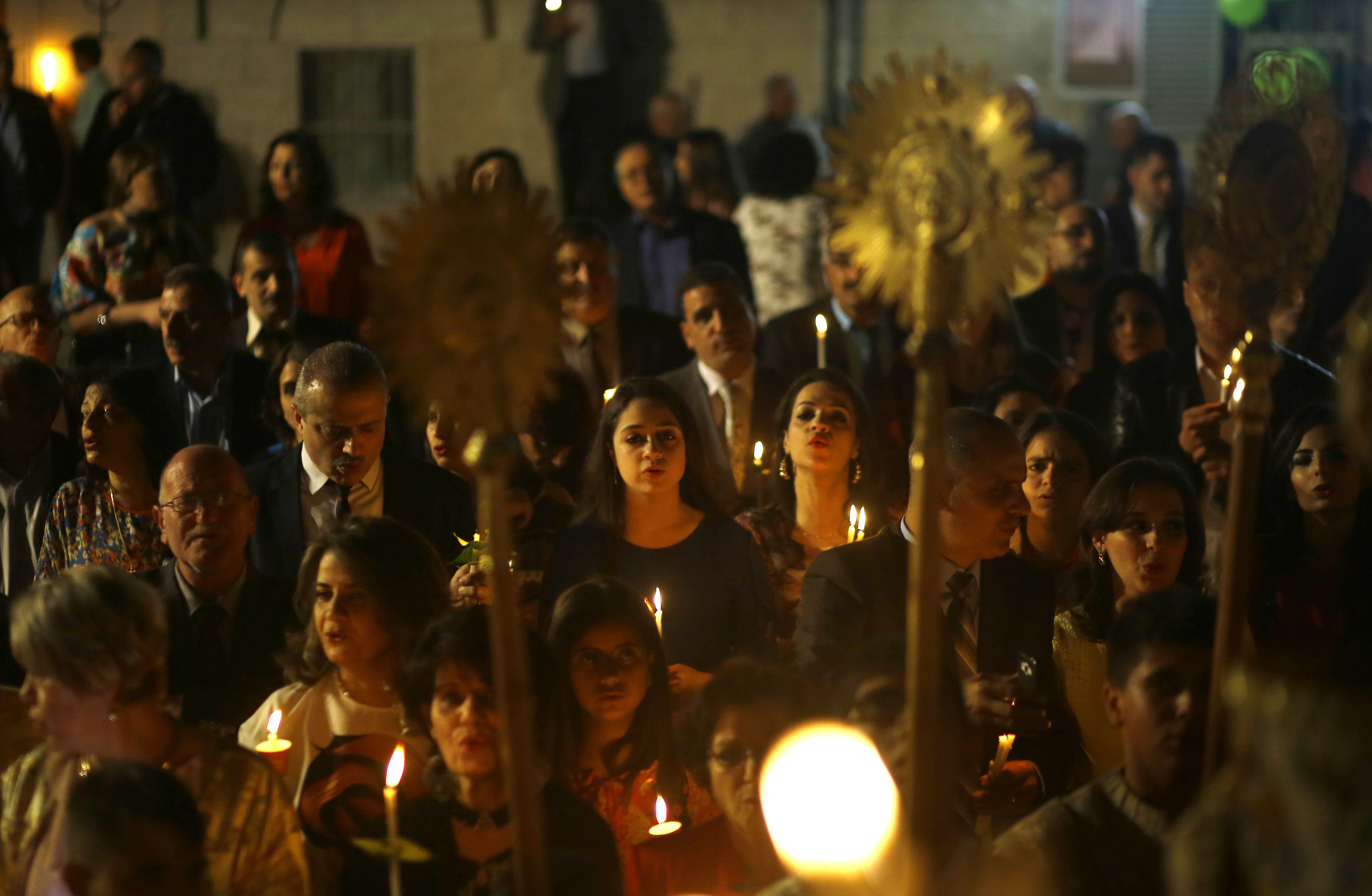 المسيحيون الفلسطينيون يواصلون احتفالاتهم بعيد القيامة فى غزة