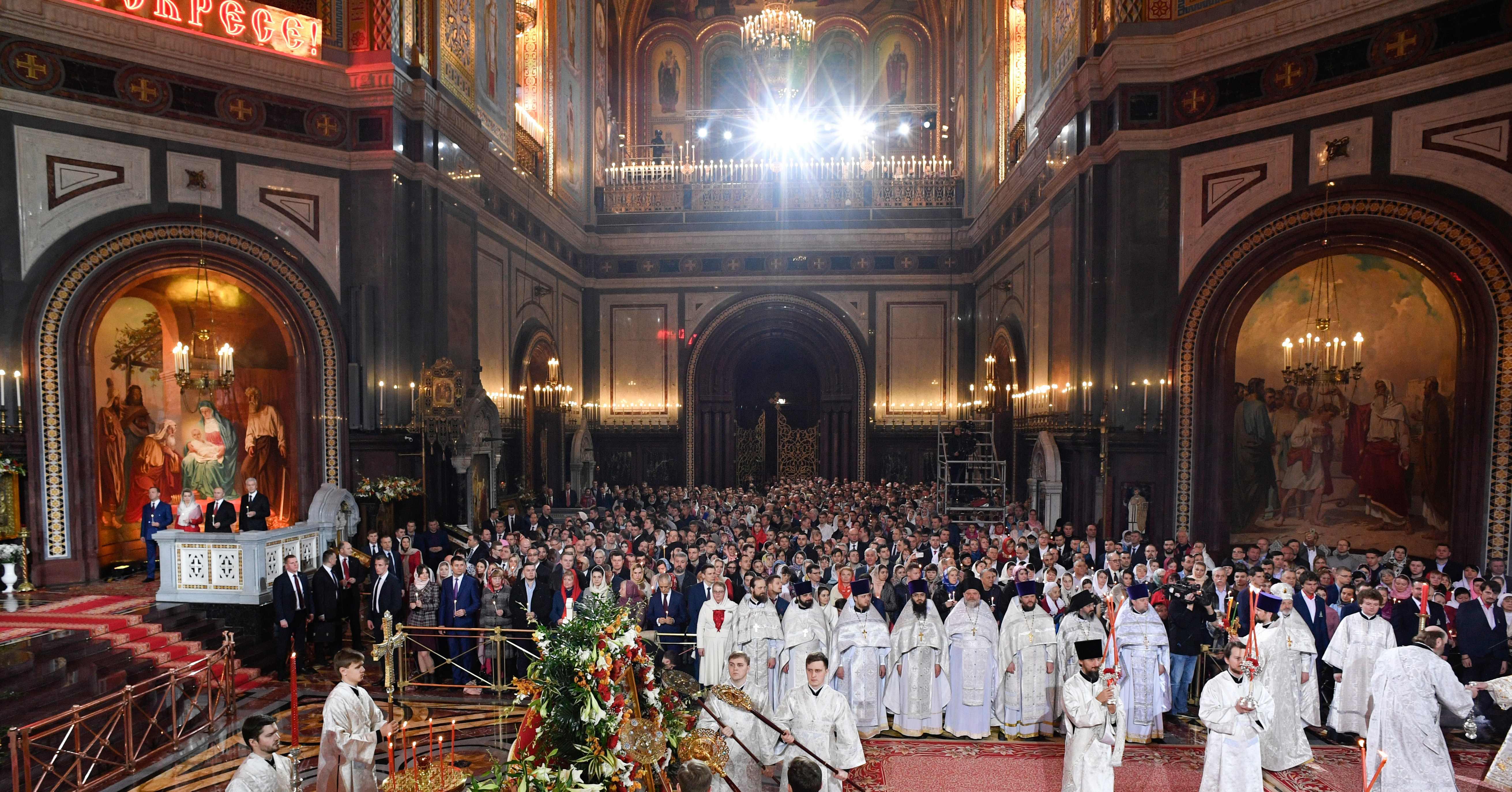 جانب من القداس فى روسيا
