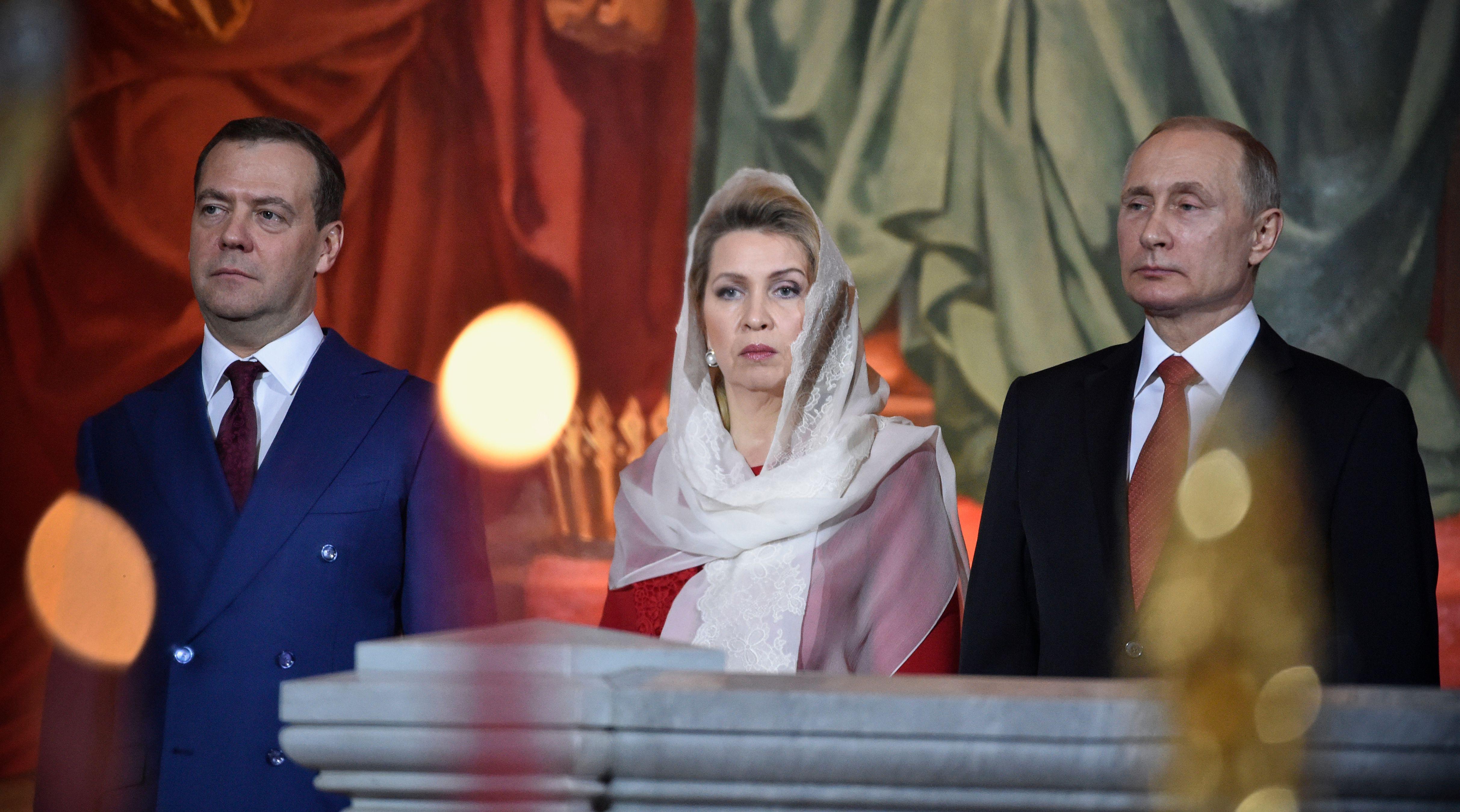 الرئيس الروسى وقرينته يحضران قداس عيد الفصح