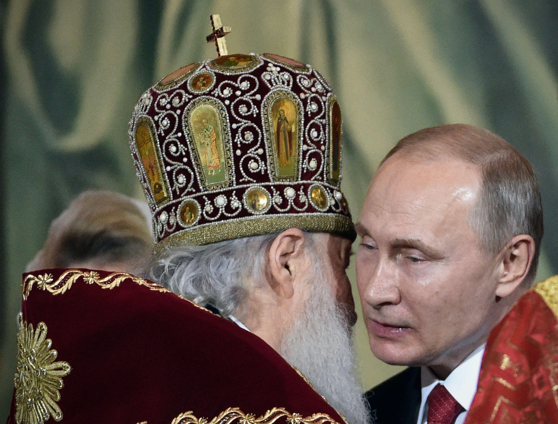 بوتين يحضر قداس عيد الفصح