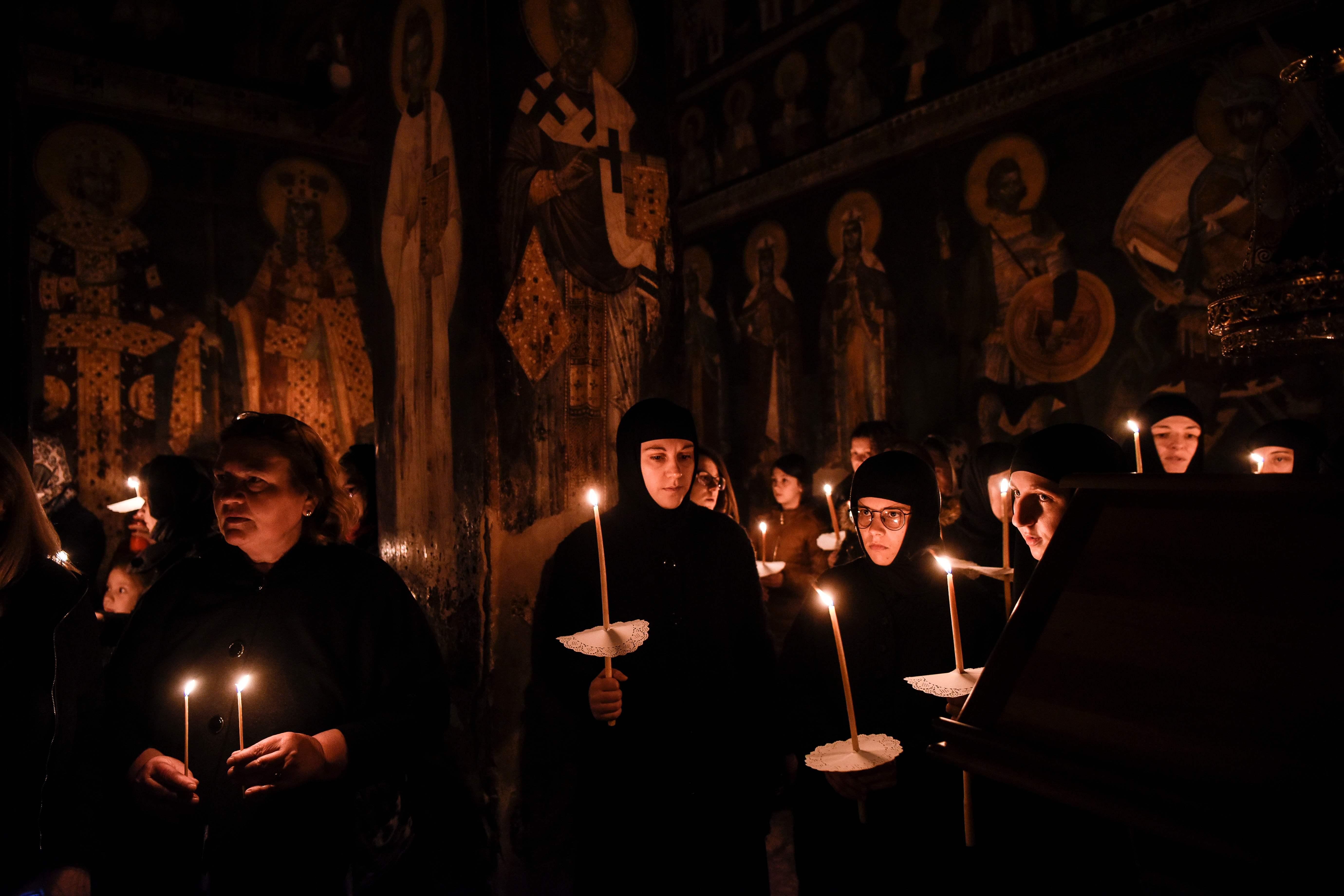 جانب من مراسم عيد القداس فى كوسوفو