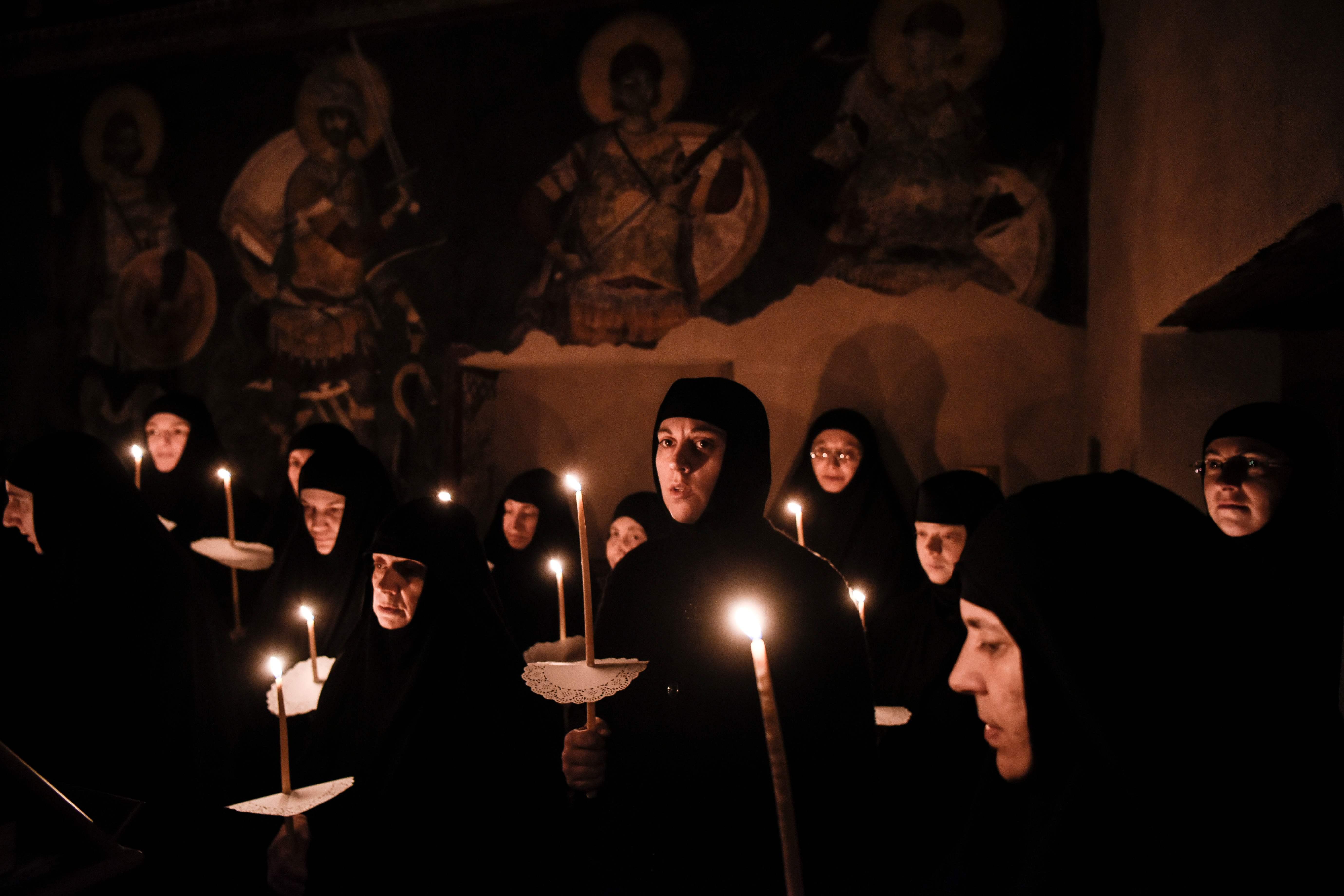 اشعال الشموع فى كوسوفو