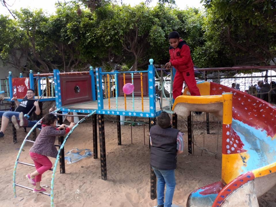 الأطفال فى حديقة الأسرة بمدينة دسوق