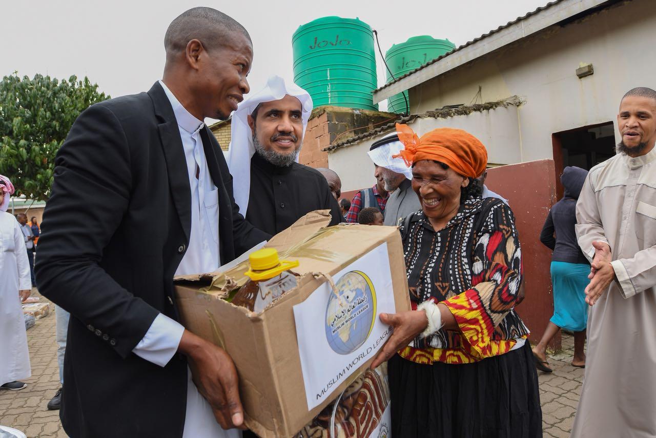 2500 سلة غذائية وإغاثية لضحايا الفيضانات بموزمبيق (2)