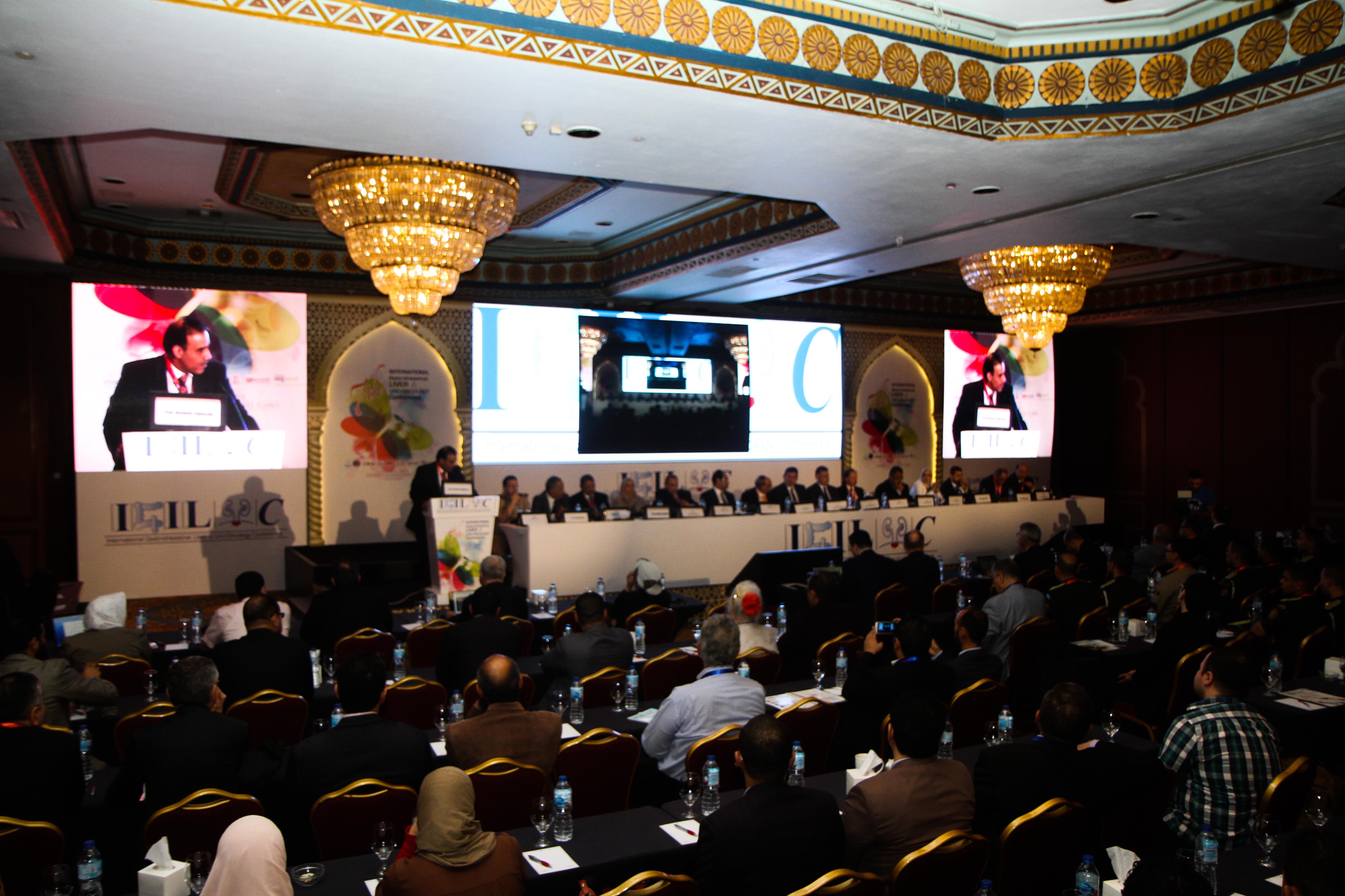 مؤتمر الجمعية المصرية لأورام الجهاز الهضمى والكبد والجهاز البولى (3)