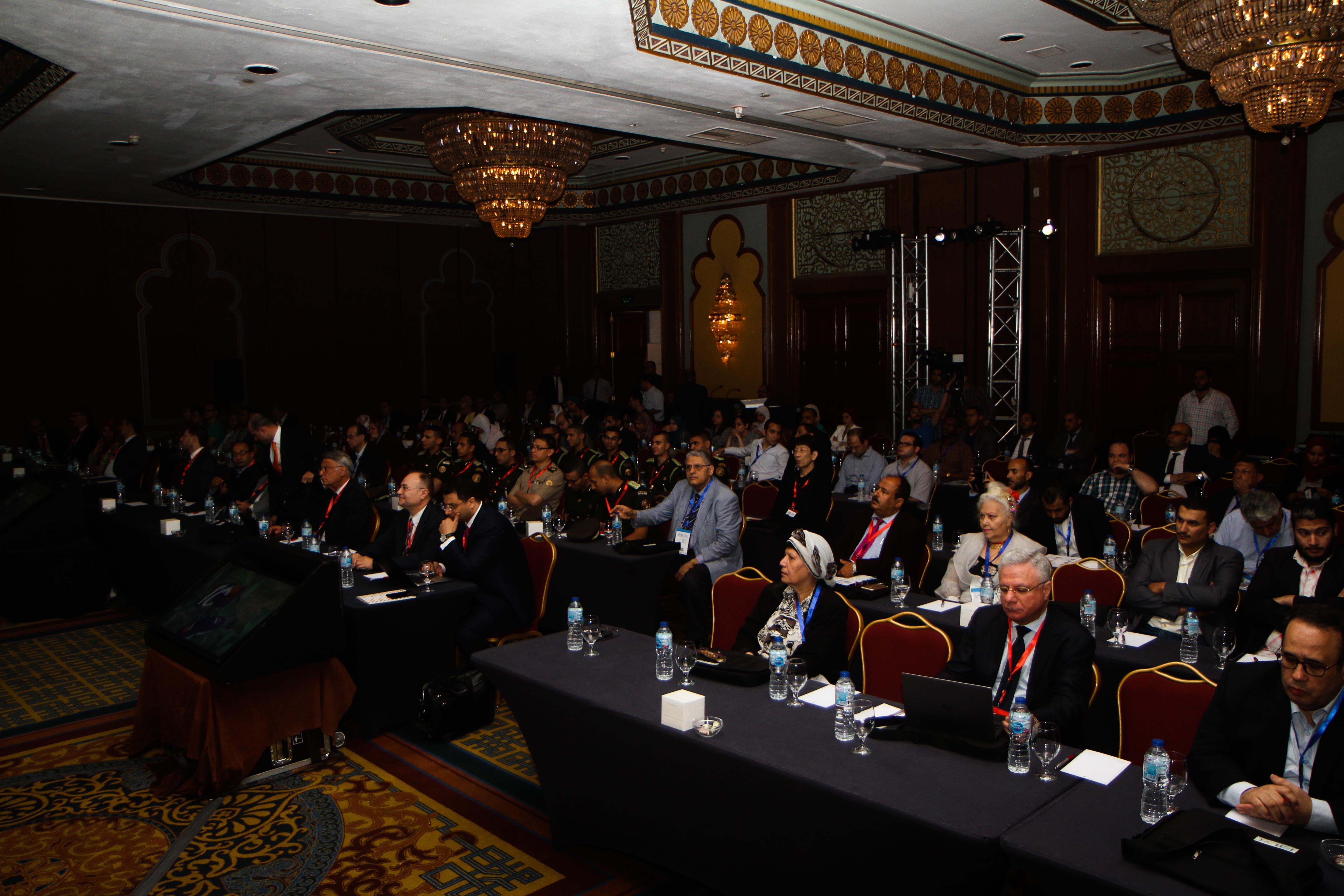 مؤتمر الجمعية المصرية لأورام الجهاز الهضمى والكبد والجهاز البولى (2)