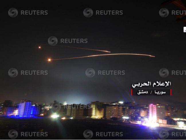 التصدى لصواريخ الاحتلال