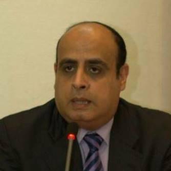 الدكتور إبراهيم عز الدين