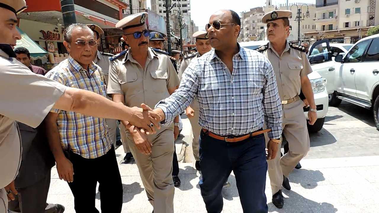 مدير أمن الغربية يتفقد خدمات تأمين المسجد الأحمدى (1)