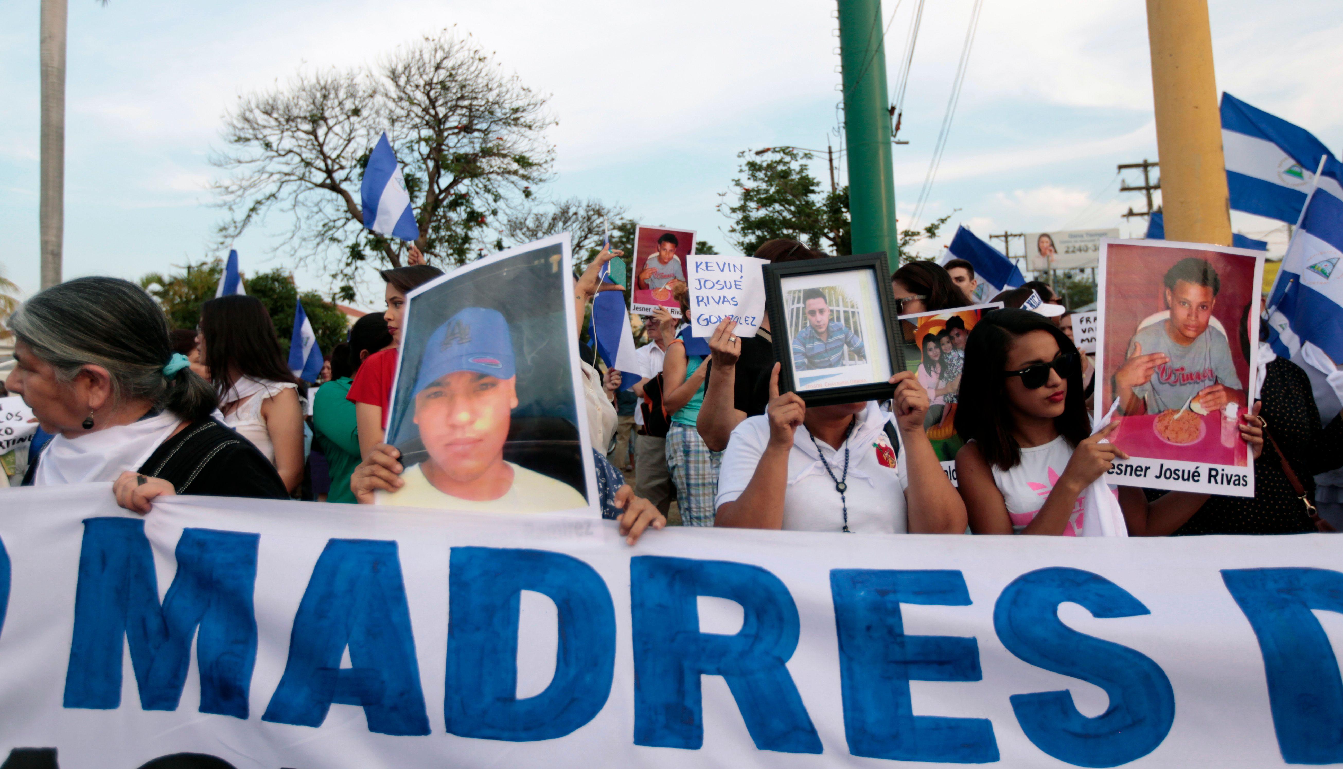 أمهات ضحايا اشتباكات نيكاراجوا يخرجون فى مظاهرات للمطالبة بالقصاص
