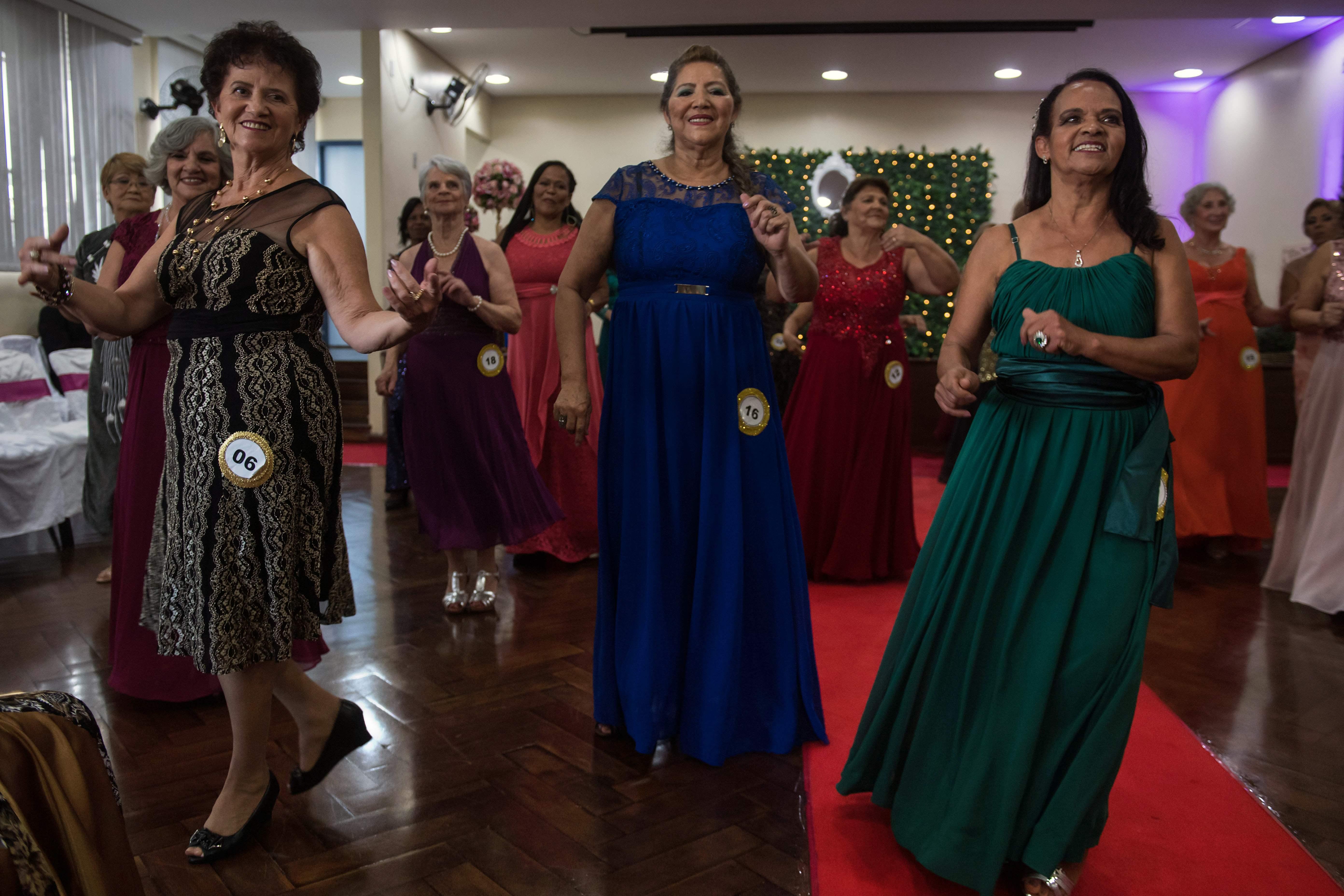جانب من حفل ملكة جمال المسنات فى البرازيل