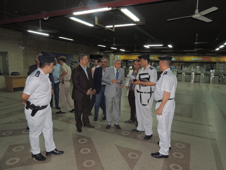 مساعد وزير الداخلية مع قوات قوات الامن