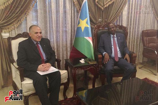 وزير الرى يحمل رسالة شفهية من السيسي لرئيس جنوب السودان (5)