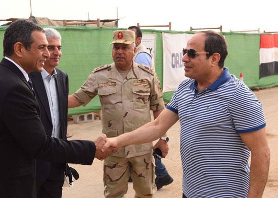الرئيس السيسي يتفقد سير العمل بمشروعات العاصمة الإدارية الجديدة (3)