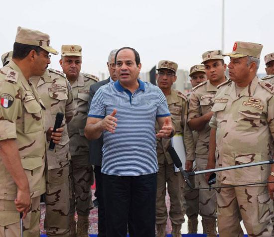 الرئيس السيسي يتفقد سير العمل بمشروعات العاصمة الإدارية الجديدة (1)