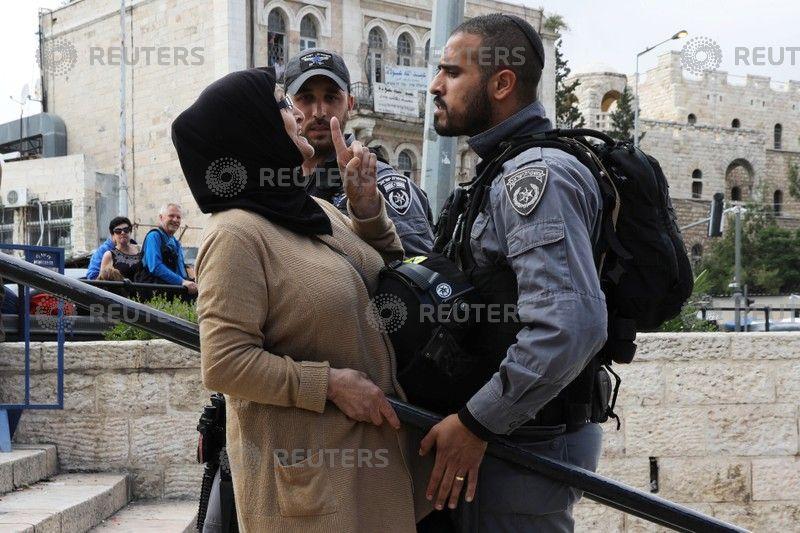 مواجهة السيدة لجندي الاحتلال