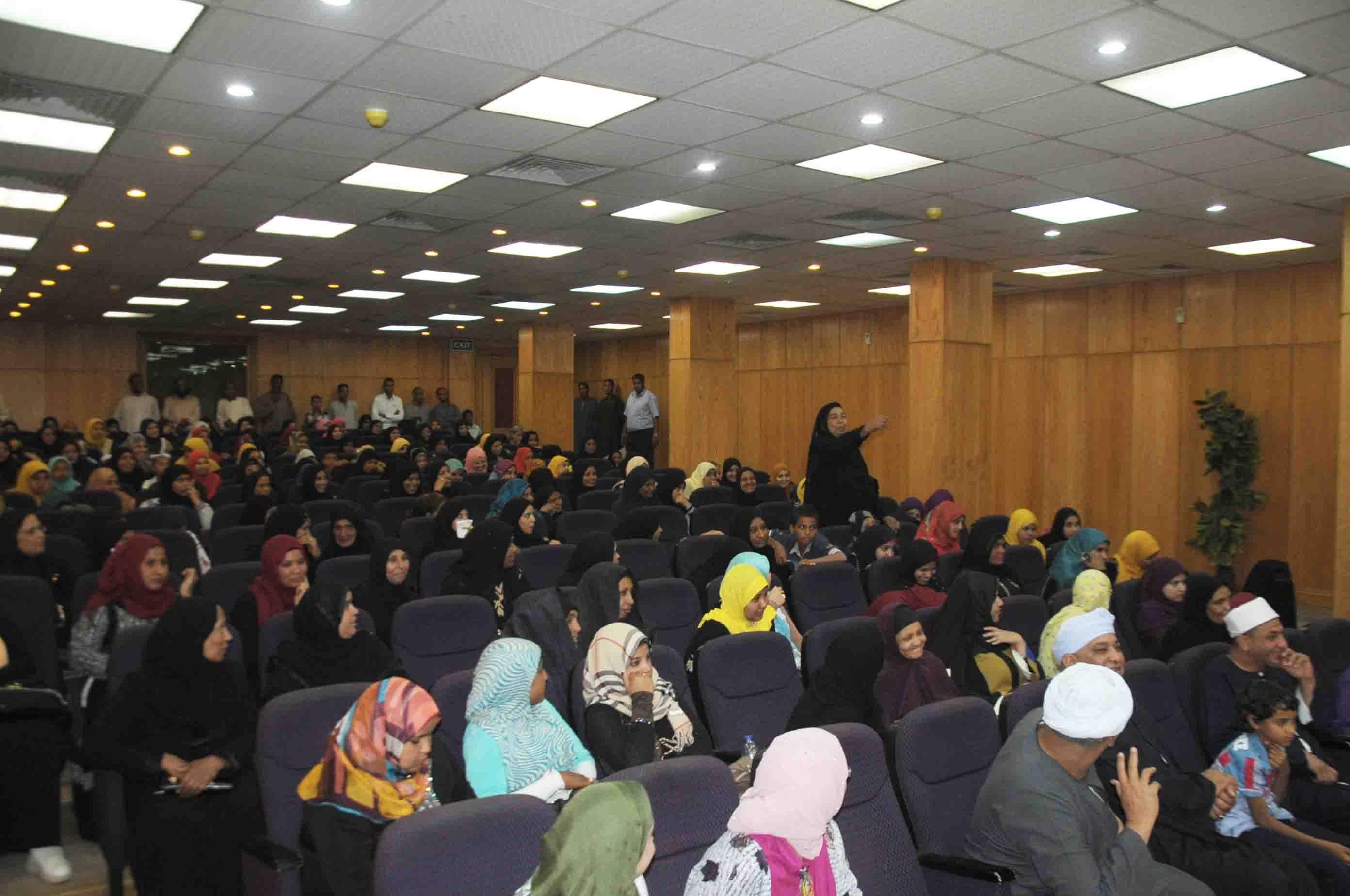 السيدات والعرائس خــلال حضور إحتفال جمعية الأورمان