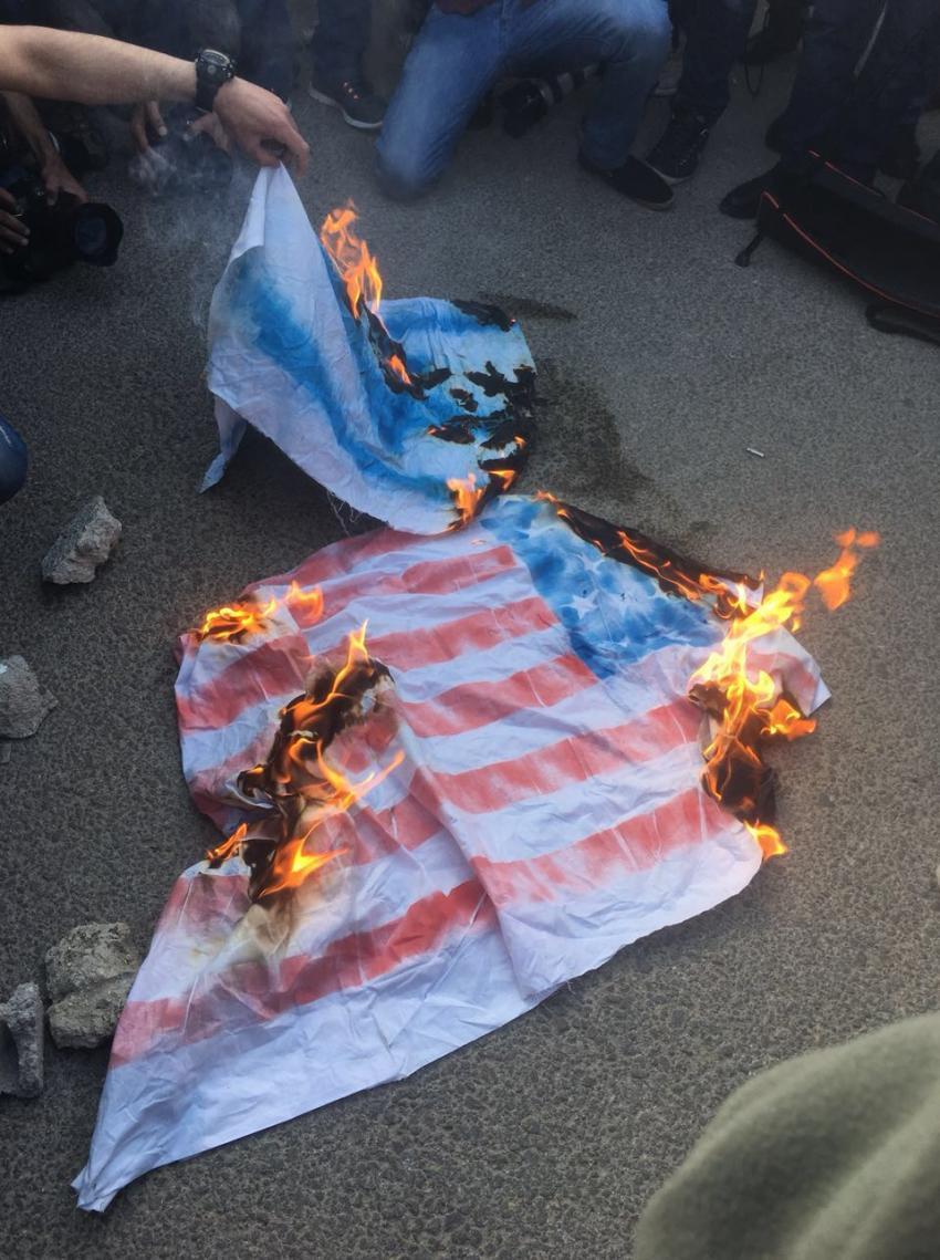 حرق العلم الإسرائيلى والأمريكى