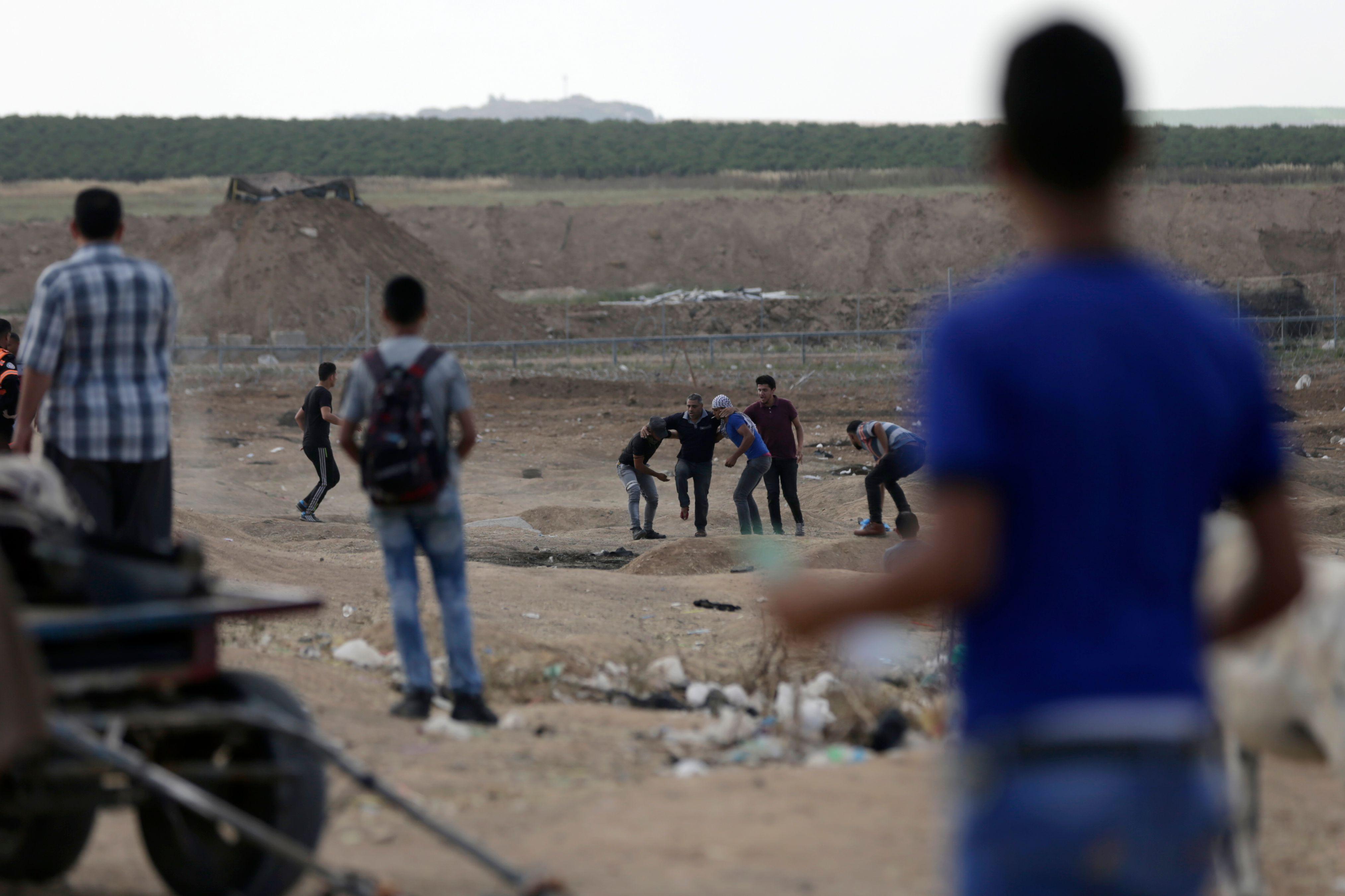 إصابة فى صفوف الفلسطينيين بقطاع غزة