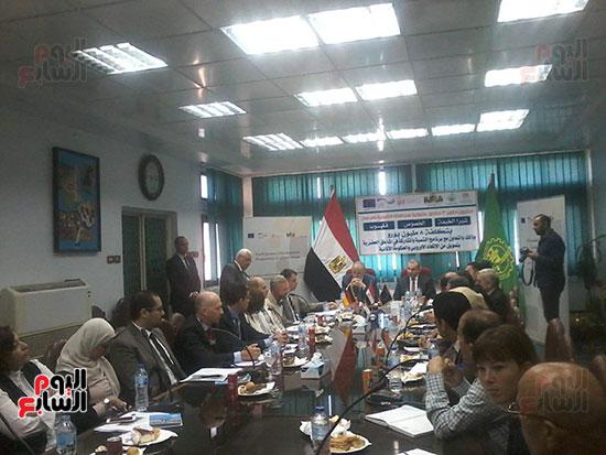 محافظ-القليوبية-يستقبل-مدير-صندوق-التطوير-الحضرى-(2)