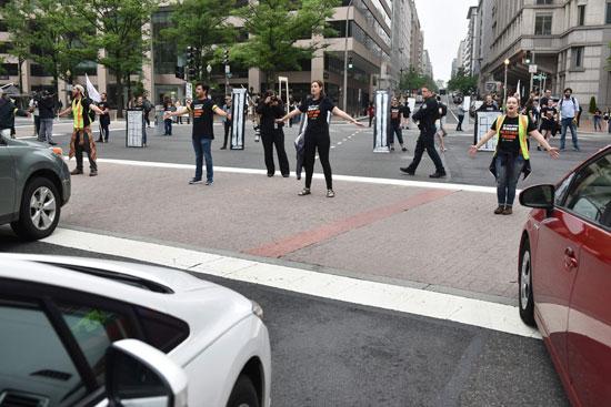 قطع الطريق فى واشنطن اعتراضًا على نقل سفارة أمريكا للقدس