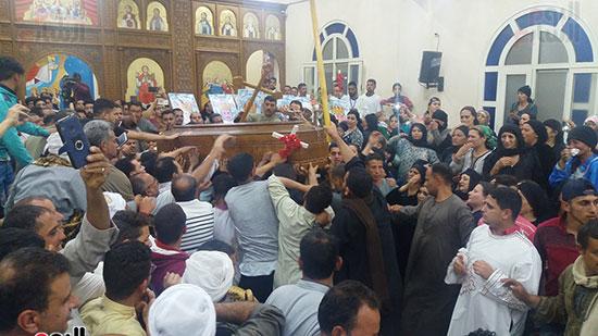 صور مقبره شهداء اقباط المنيا (29)