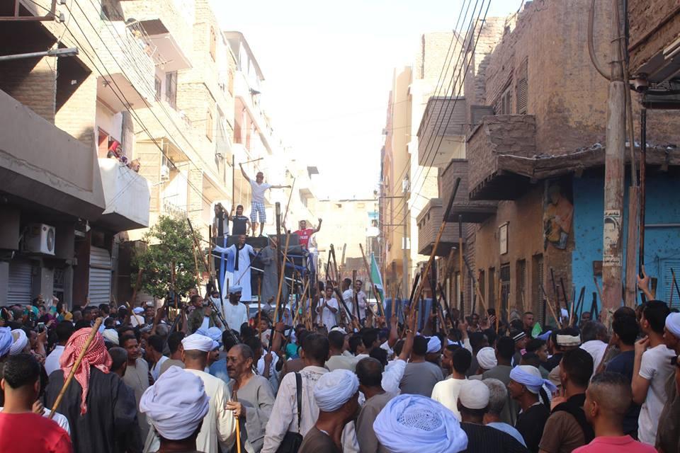 أهالي مدينة الاقصر وإسنا يخرجون في دورة رمضان بمواكب إحتفالية (5)