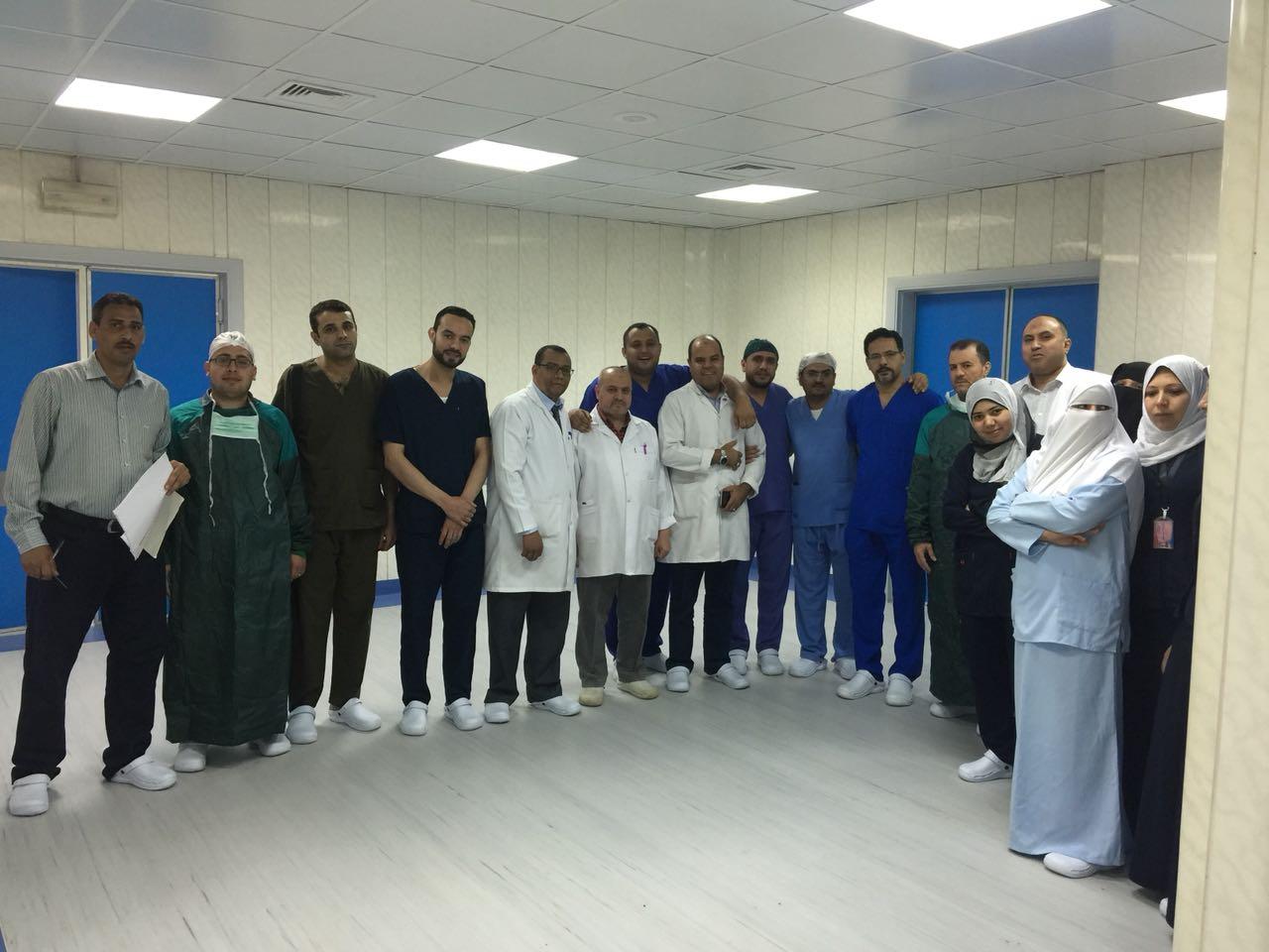 5- الفريق الطبي والمساعدين