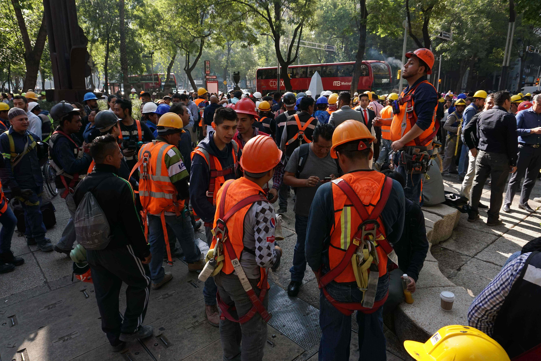 عمال الإغاثة